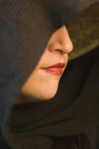 woman-520052_1280